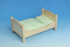 Puppenbett aus Holz - nachhaltig und stabil
