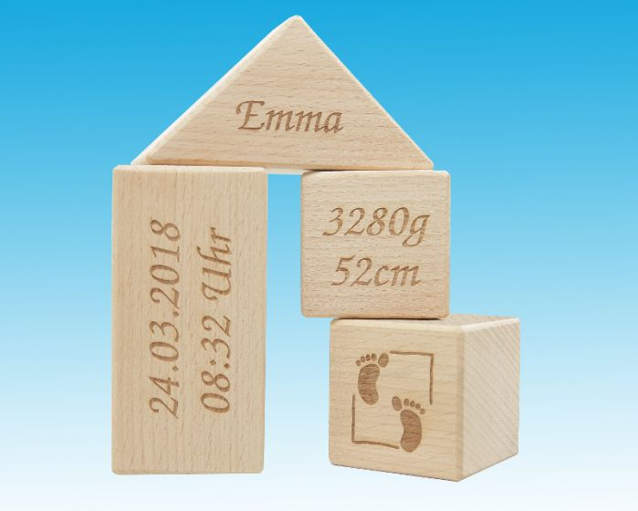 Würfelhaus aus Holz - Geschenk zur Geburt oder Taufe